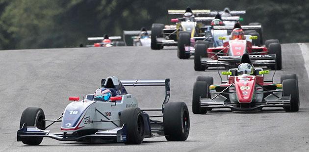 Esordio bagnato per la Formula Renault 2.0 ALPS