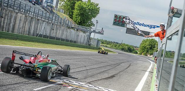 Zanasi mattatore assoluto in Formula 2