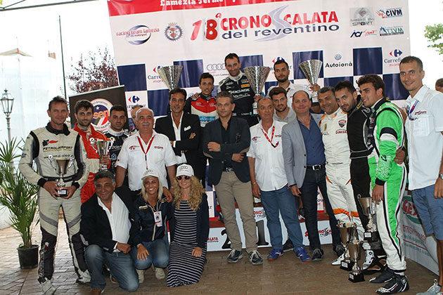 Il podio con i primi 10 classificati alla Cronoscalata del Reventino