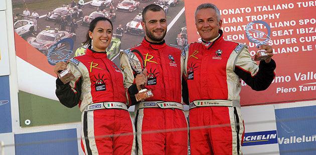 Il podio Radical di Gara 1 con Ida Petrillo, Michele Esposito e Salvatore Tarantino