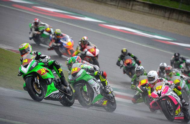 In Supersport vittoria in gara a Michael Canducci e titolo a Massimo Roccoli