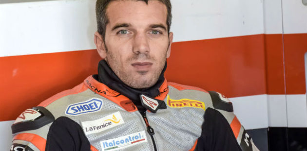 Alex De Angelis nel 2017 in Superbike con Pedercini Racing