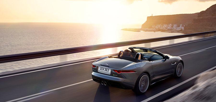 Anche le versioni Cabriolet della Jaguar F-Type saranno dotate di cambio Quickshift