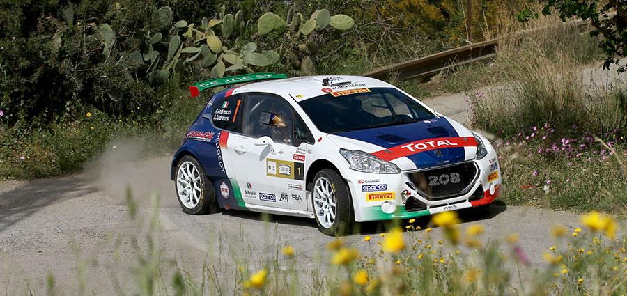 Paolo Andreucci ed Anna Andreussi con la Peugeot 208 T16 R5 erano al comando della Targa Florio