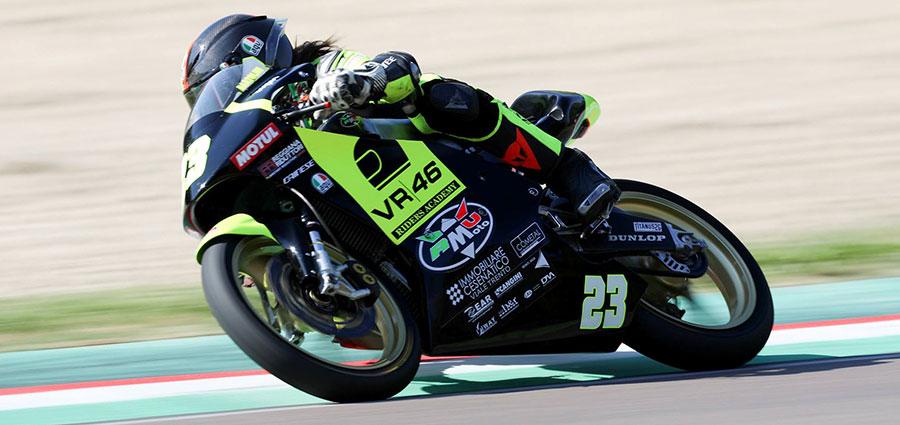 Il pilota RMU VR46 Riders Academy Elia Bartolini primeggia in Premoto3 250