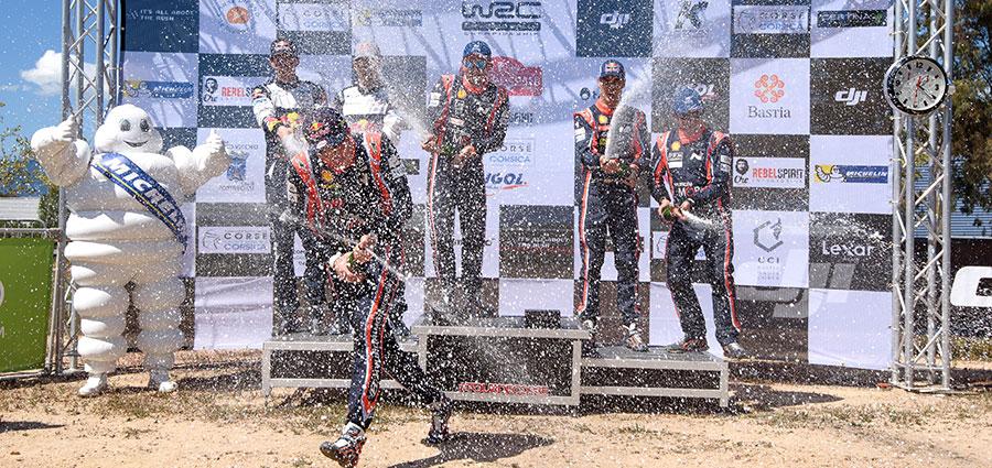 E' guerra con lo spumante sul podio del Tour de Corse, quarta tappa del WRC