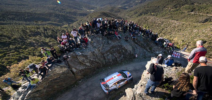 Terzo gradino del podio per l'altra Hyundai i20 Coupé Wrc di Dani Sordo e Marc Marti
