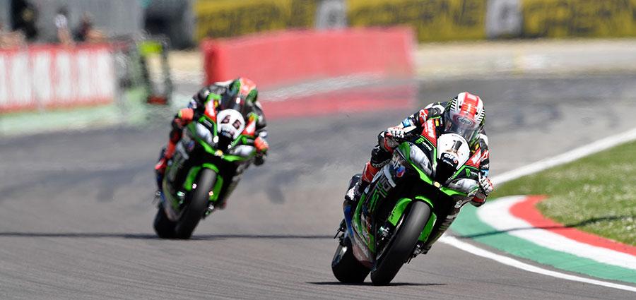 Jonathan Rea e Tom Sykes riescono a contenere i danni di un fine settimana con le Ducati in formissima