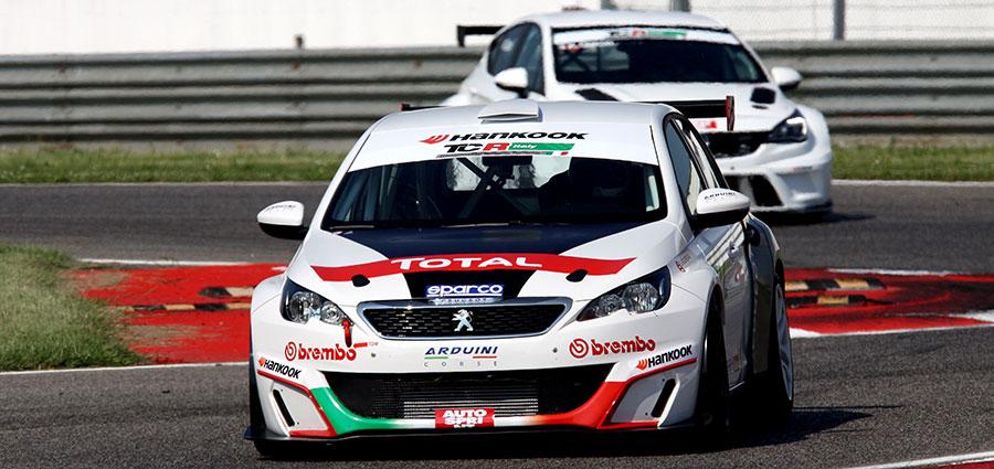 Francesco Neri con Peugeot 308 Mi16 si aggiudica gara 1 del TCT