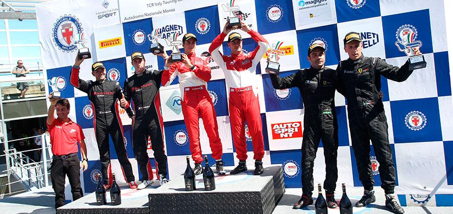 Il podio di gara 1 della SuperGT3 nel Campionato Italiano GT