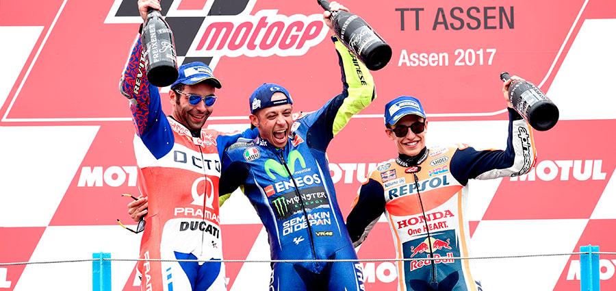 Il podio del Dutch TT di Assen con Valentino Rossi, Danilo Petrucci e Marc Marquez