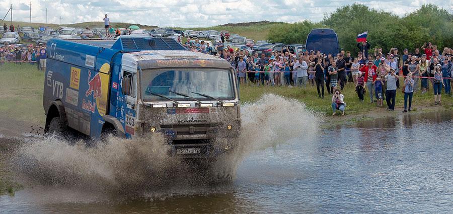 Eccolo il vincitore nei Camion del Silk Way Rally, primo dell'armata Kamaz: Dmitry Sotnikov