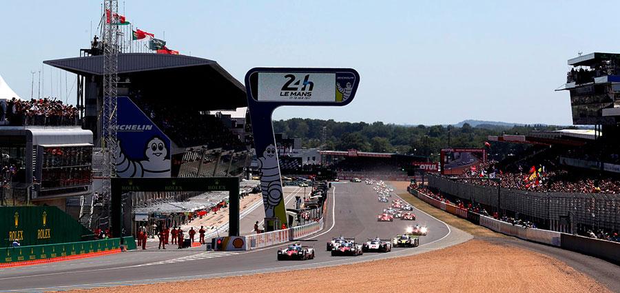 Bellissimo scorcio delle fasi iniziali della 24 Heures du Mans