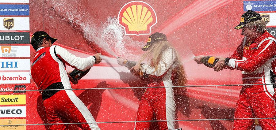 Fabienne Wohlwend è la vera sorpresa in Coppa Shell aggiudicandosi gara 2 (Foto Antonio Perrone)