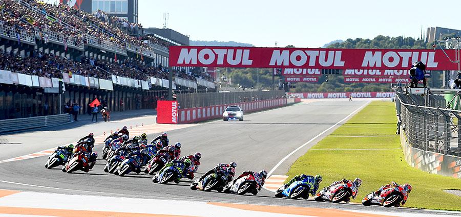 La partenza della Moto GP a Valencia