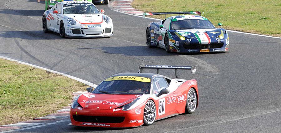La Ferrari di Roberto Ragazzi e Silvio Galante, terza classificata alla 100 Miglia di Magione (Foto Paolo Ambrosi)