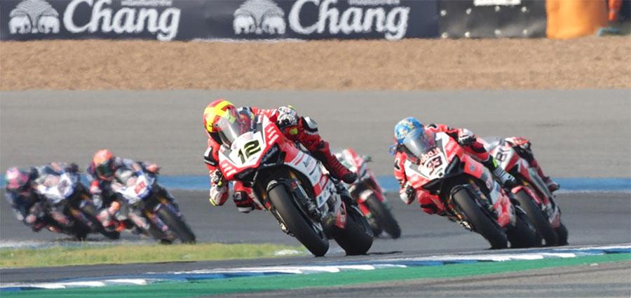 Prestigiosa piazza d'onore in gara 1per Xavi Fores con la Ducati Panigale R di Barni