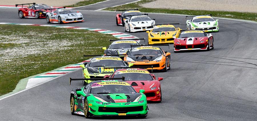 Lo start della Coppa Shell nel Ferrari Challenge Europa
