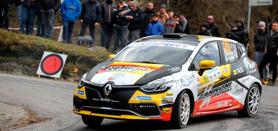 Vittoria in R3 di Ivan Ferrarotti con ala Renault Clio