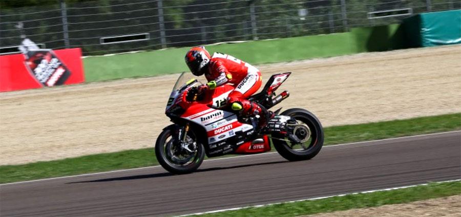 Un quinto e un quarto posto in mezzo ai big per Xavi Fores con la Ducati di Barni Racing