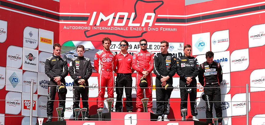 Il podio dell'assoluta di gara 1