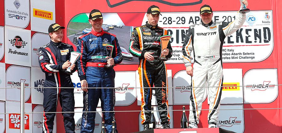 Il podio di gara 1 delle GT4