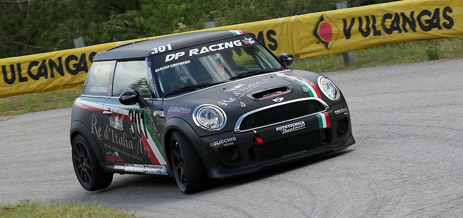Giovanni Loffredo con la Mini Cooper S John Cooper Works scetta tra le Racing Start Plus (Foto Claudio Ricciotti)