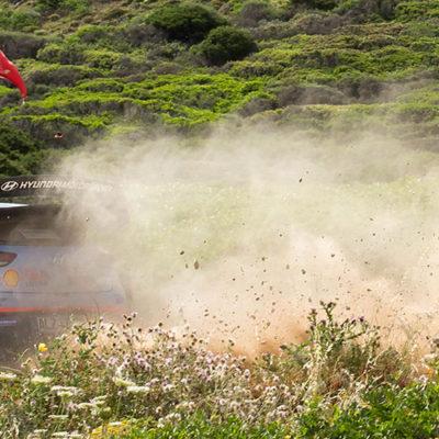 WRC, al Rally Italia Sardegna Hyundai attacca, Ogier risponde