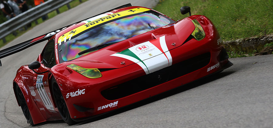 Lucio Peruggini che con la Ferrari 458 fa punteggio pieno per il CIVM nelle GT (Foto Claudio Ricciotti)