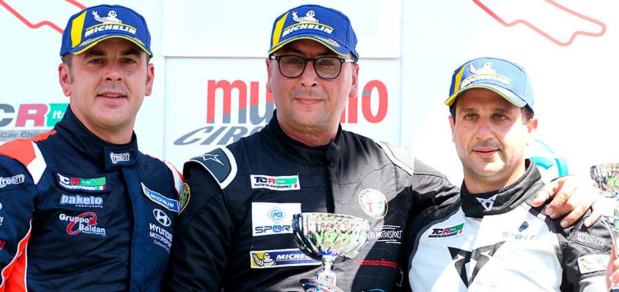 Podio di gara 2 del TCR Italy