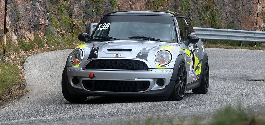 Serafino Ghizzoni con la Mini si aggiudica la Racing Start Plus (Foto Claudio Ricciotti)