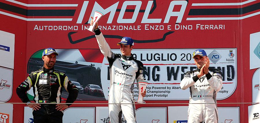 Podio di gara 1 della DSG con Matteo Greco, Francesco Savoia e Massimiliano Gagliano