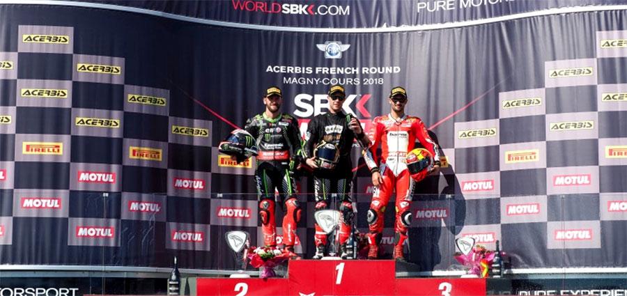 Il podio della prima gara della WSBK in programma sul circuito di Magny Cours