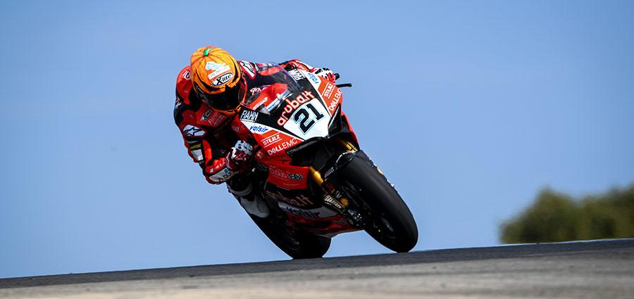 Michael Ruben Rinaldi sempre in ottima forma con la Ducati Panigale R del Junior Team