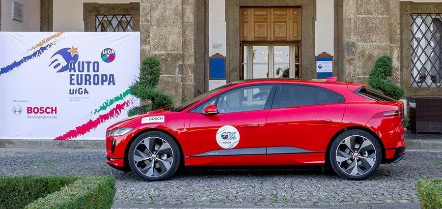 """Il premio """"Green Gold Award"""" va a Jaguar con la I-Pace"""