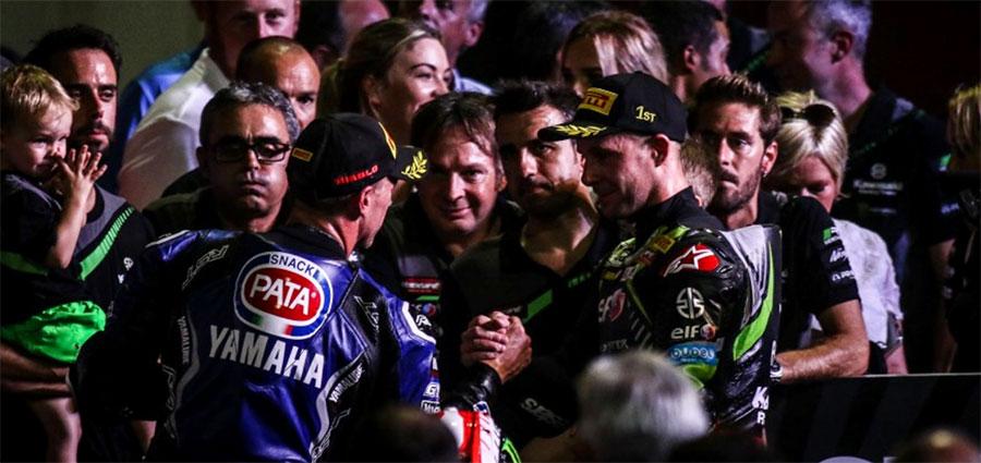 Terzo gradino del podio per l'ottimo Alex Lowes in crescita con la Yamaha YZF R1 ufficiale