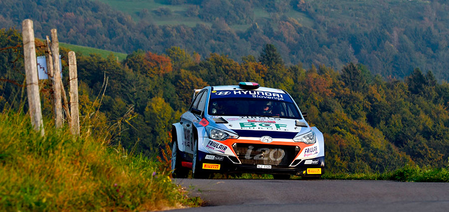 Un impeccabile Luca Rossetti con la Hyundai i20 R5 guadagna il primo gradino del podio al Rally Due Valli