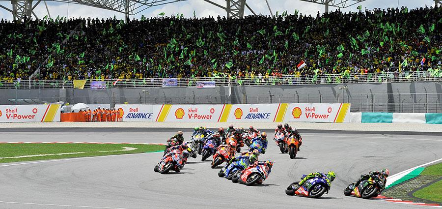Lo start della MotoGP di Sepang in Malesia
