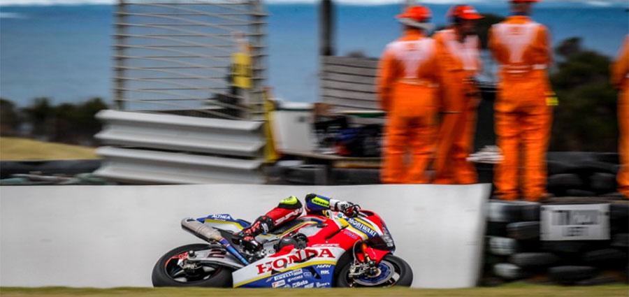 Leon Camier termina  gara 2 decimo assoluto con la Honda CBR 1000 RR di Moriwaki Althea