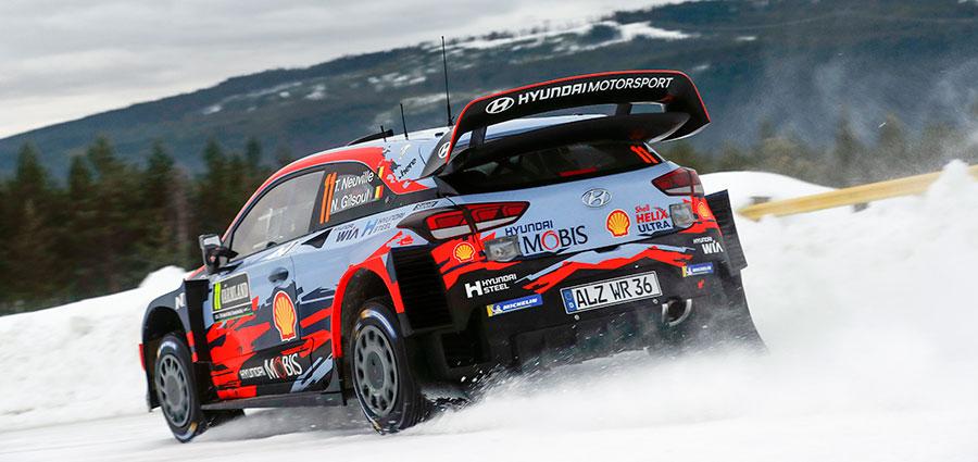 Thierry Neuville e Nicolas Gilsoul con la Hyundai i20 Coupé Wrc completano il podio