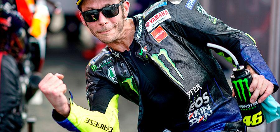 Indomabile Valentino Rossi che nelle ultime battute di gara conquista la piazza d'onore