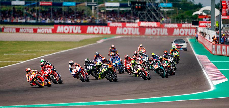Lo start del GP di Argentina della MotoGP a Rio Hondo