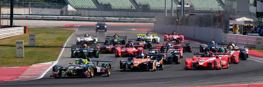 La partenza di gara 2 del Campionato Italiano Sport Prototipi a Misano