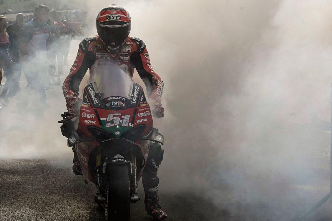 Michele Pirro vince la gara della SBK e si avvicina al titolo