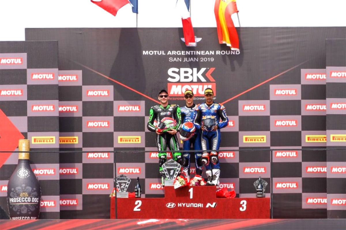 Il podio della WSSP a San Juan in Argentina con Jules Cluzel, Lucas Mahias e Isaac Vinales