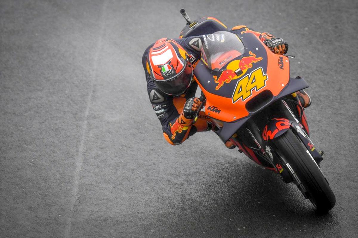 lo spagnolo Pol Espargaro con la migliore delle KTM ufficiali
