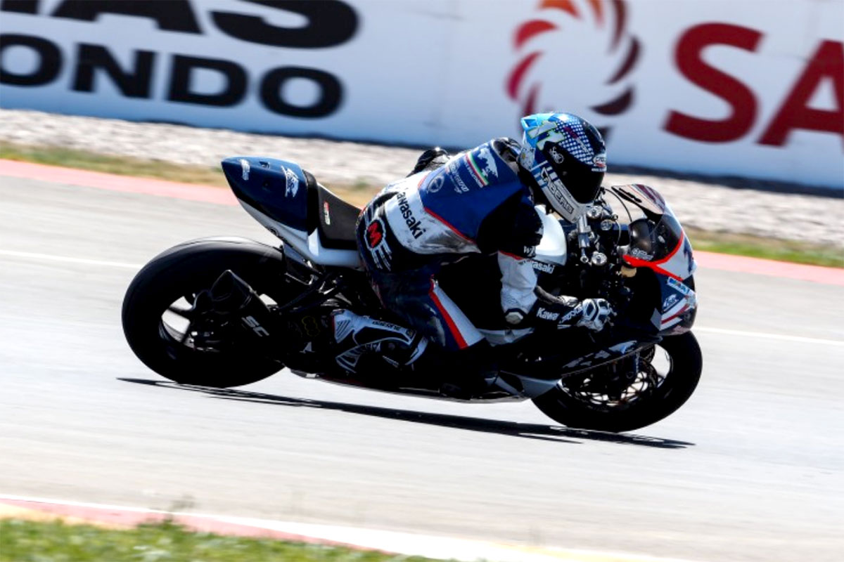 Nona posizione per la Kawasaki ZX-10 RR che Pedercini schiera per Kyle Smith fresco di titolo europeo