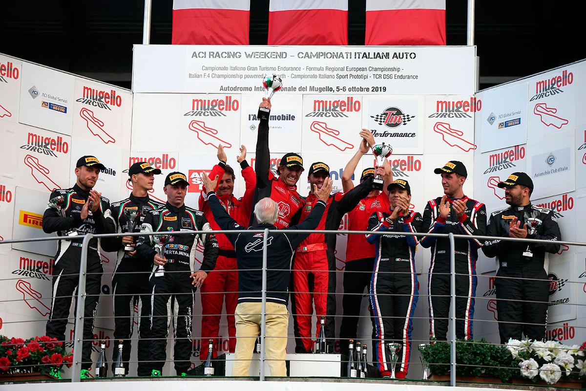 Il podio assoluto del GT Endurance al Mugello