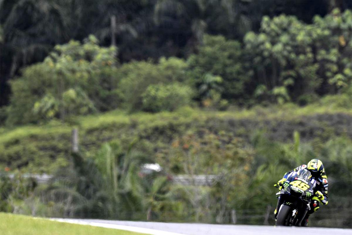 Quarto posto di Valentino Rossi con l'altra Yamaha ufficiale