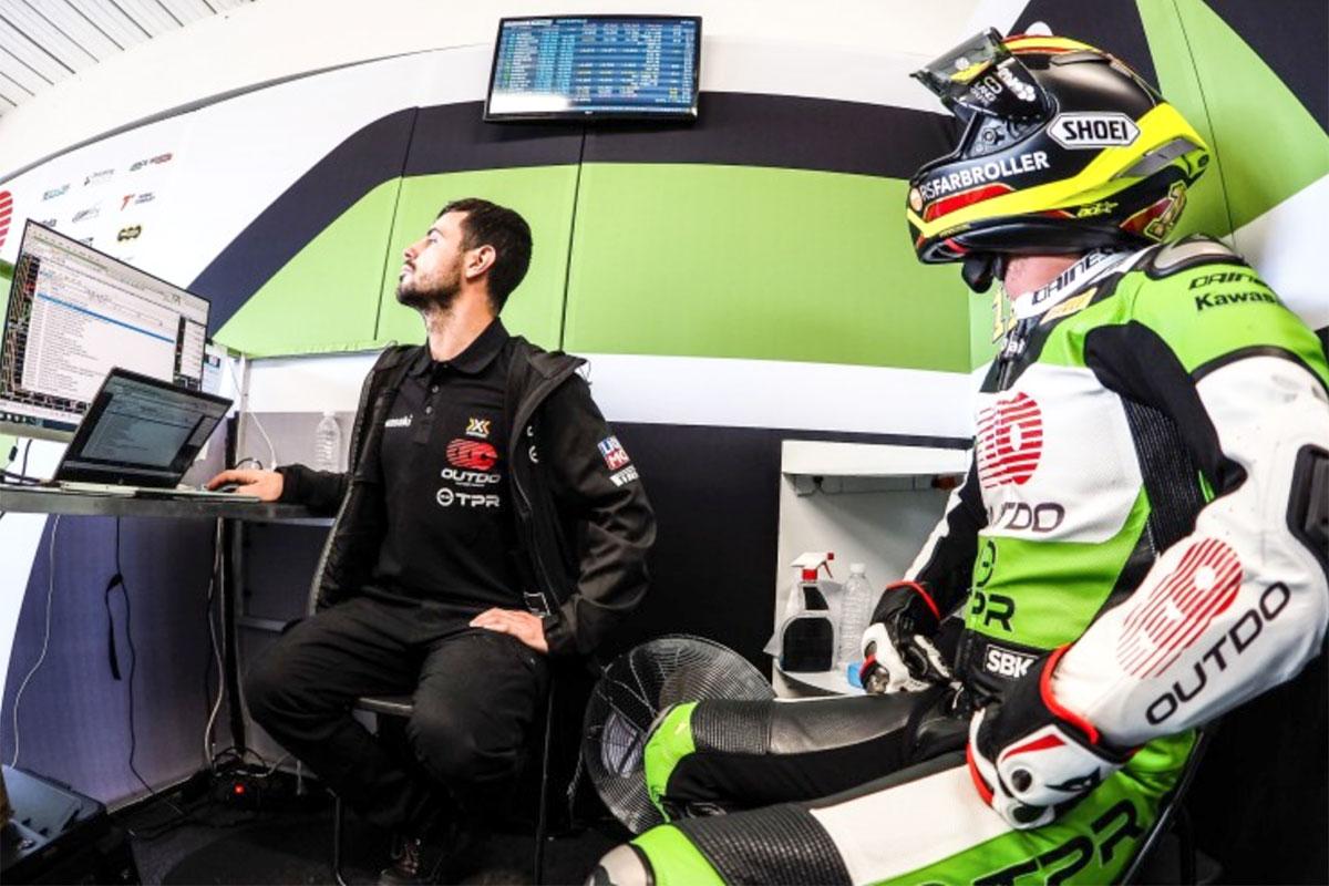 Sandro Cortese con la Kawasaki ZX-10 RR di Outdo occupa la nona posizione di gara 2